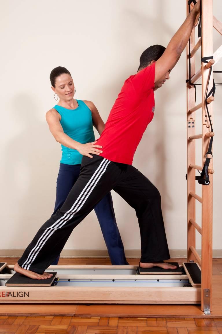 Exercício de Pilates para reabilitação