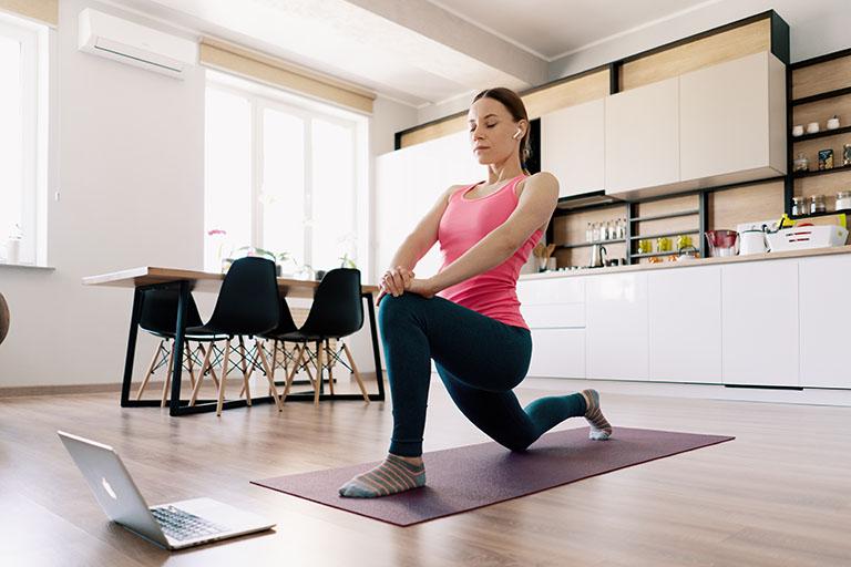 Exercícios podem reduzir sintomas da Covid. Confira